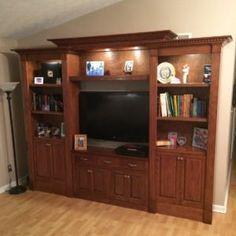 Simple Bookcase Plans - Simple DIY Bookshelf Plans — The Family Handyman - Diy Bookshelf Plans, Built In Bookcase, Wood Bookshelves, Wooden Bookcase, Bookshelf Design, Pottery Barn, Console, Friends Time, Galaxy A5
