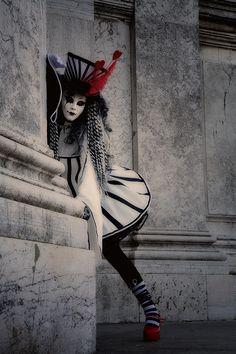 gothic/wonderland take on carnival