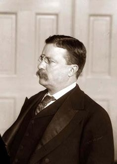 Teddy Roosevelt a great president during a ruff time. He gave a speech and in the middle of got shot but he kept on going. Alice Roosevelt, Theodore Roosevelt, Edith Roosevelt, Teddy Roosevelt Quotes, President Roosevelt, American Presidents, Us Presidents, Us History, American History