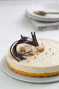 Gâteau et fruits de la passion mousse