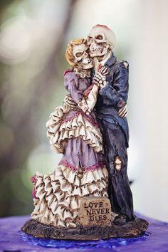 skeleton cake topper halloween wedding ideas--except for their creepy faces