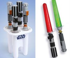 $34.99 USD : Lightsaber Popsicle Maker – Who knew lightsabers could be so delicious!