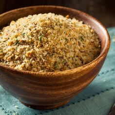Breadcrumbs with an incomparable aroma. There are countless different ways to bring a bit of Sicily into your kitchen. How To Make Breadcrumbs, Parmesan, Baked Fish Fillet, Dinner With Ground Beef, Stale Bread, Crunch, Beef Recipes For Dinner, Specialty Foods, Bread Crumbs