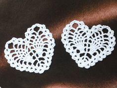 Items similar to Crochet Lace Motif Doilies Flower Appliques - HEART shape - 2 pcs - White Color on Etsy Crochet Cross, Thread Crochet, Irish Crochet, Crochet Motif, Crochet Yarn, Lace Doilies, Crochet Doilies, Crochet Flowers, Crochet Hearts