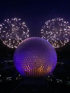 Fireworks at Disney's Epcot at Orlando Film Disney, Disney Magic, Disney Pixar, Walt Disney World, Disney Vacations, Disney Trips, Disney Parque, Disney World Pictures, Tsumtsum