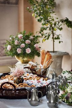 Sherwood Event Hall loves the trend of an elaborate Wedding Brunch.  #atlanta #eventstyling #eventsbygia #weddingplanning #eventcompany #corporateevent #sherwoodeventhall #atlantavenues #partyideas #weddingbrunch #catering #atlantacatering #food ideas #weddingideas #cateringideas