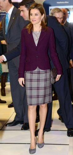 Так как, на следующей неделе, основными героями роял-форумов будут являться Фелипе и Летисия, то в продолжении темы интронизации, немного расскажу о испанском дизайнере Фелипе Варела. Фелипе Варела является известным испанском дизайнером одежды. Одежду этого дизайнера предпочитают принцесса…