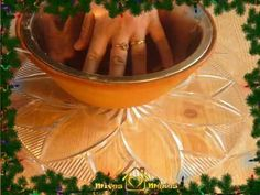 http://www.mivesmezes. hu ebben a videóban a mézeskalácsok lekenésénél használt zselatinmáz készítését mutatom be.