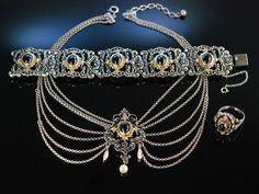 Schön zur Tracht! Schmuck Set Kette Armband Ring Silber 925 und 835 vergoldet Granate in Cabochon Schliff, silver garnet set necklace, bracelet and ring, traditioneller Trachtenschmuck bei Die Halsbandaffaire