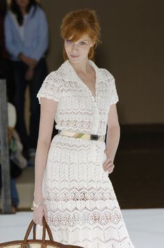 crochet lace beauty dress for girl - crafts ideas - crafts for kids Knitwear Fashion, Knit Fashion, Fashion Outfits, Crochet Wedding, Crochet Lace, Irish Crochet, Beautiful Dresses For Women, Crochet Clothes, Crochet Dresses