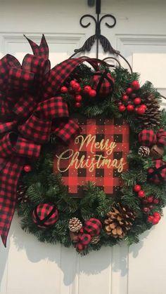 Grapevine Christmas, Christmas Door Wreaths, Winter Wreaths, Christmas Porch, Plaid Christmas, Christmas Holidays, Diy Home Crafts, Holiday Crafts, Holiday Decor