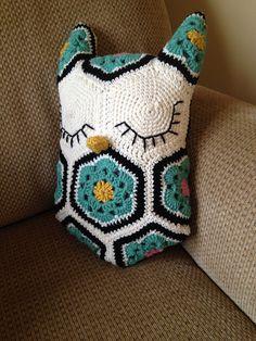 Ravelry: mdickson's Owl pillow $6.50 USD