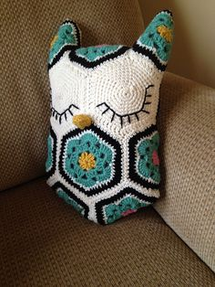 Ravelry: mdickson's Owl pillow $6.50 USD