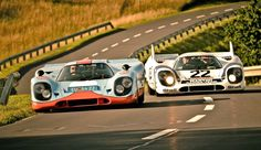 MONSTERS. 2 Porsche 917 !