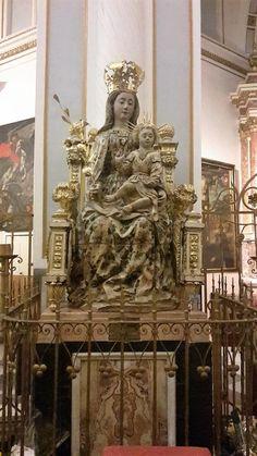 statua vergine cattedrale valencia due giorni cosa vedere visitare