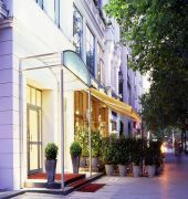 #Low #Cost #Hotel: LOUISA