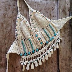 ☮ American Hippie Bohéme ☮ Summer Festival Boho ☮ Crochet Halter Top ❤ Bohème The peach skin Crochet Halter Tops, Top Crop Tejido En Crochet, Motif Bikini Crochet, Crochet Bra, Crochet Summer Tops, Crochet Woman, Crochet Clothes, Hippie Boho, Hippie Style