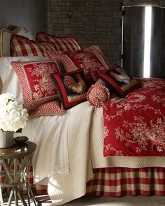 French Country Bedding Collections for traditional elegance. Toile bedding and French Country quilts. French Country Bedding, French Country Bedrooms, French Country Style, French Country Decorating, Country Curtains, French Bedding, Country Cottage Bedroom, French Country Christmas, Country Bathrooms
