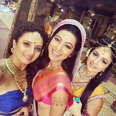 """heavenlyblisss: """"With my loveliest ladies!! @prinal_sinngh @preetkaurmadhan"""""""