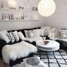 Beautiful ✨ Cred: ✨@mykindoflike✨ Thanks for the tag ✌️ #livingroom #sofa #stue