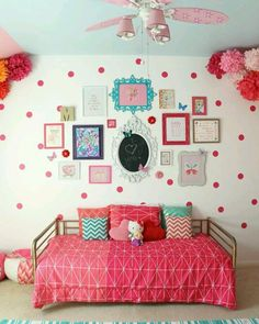 cute .. .. .. #shabbychic #pink#home#homedecor #diy#handmade #اثاث#تنسيق #شابي_شيك #خياطة #pinterest #ورود #اقمشة #ideas #tutoriales#decoracion #decor #ديكور #englishhome #cathkidston #ikea #ikeahack  #greentea #تنسيقات #ديكوباج #myhome #myhouse #افكار #قصص #livingroom
