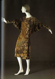 Evening wrap, Designer: Valentina (American, born Russia, 1899–1989), Date: 1926, Culture: American