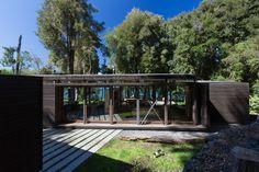 Gallery of House in Lake Villarrica / Planmaestro - 22