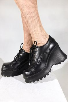 TEACHERS PET OXFORDS || SHOP HERE: https://www.goodbyebread.com/collections/internet-girl/products/teachers-pet-platform-oxfords #goodbyebread #internetgirl #photoshoot #vintage #preppy #school #girl  #black #leather #platform #oxford #style #laceup #shoes #fishnet #tights