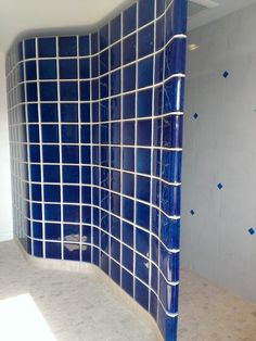 7 Tips to Choose the Right Glass Block Shower Wall Thickness - Home Decoration Styling Glass Blocks Wall, Block Wall, Wood Blocks, Mazda 3, Bathroom Remodel Pictures, Bathroom Ideas, Shower Ideas, Glass Block Shower, Brick Bathroom
