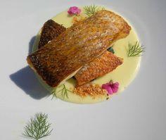Pescato del giorno, patate, broccoli e tarallo di Agerola