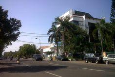 Bank Sinar Mas Jalan dr Wahidin Sudirohusodo, Kota Cirebon, Jawa Barat, Indonesia. photo cp 19 Juli 2014