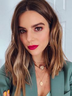 Balayage Blonde Ends - 20 Fabulous Brown Hair with Blonde Highlights Looks to Love - The Trending Hairstyle Long Hair Tips, Glossy Hair, Color Your Hair, Light Brown Hair, Brown Eyes Hair Color, Smooth Hair, Hair Transformation, Bob Hairstyles, Layered Hairstyles