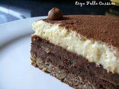 """Le """"Tourbillon des gourmandises"""" base biscuit aux noisettes, chocolat noisette, gelée pralinoise, mousse chocolat blanc ricotta"""