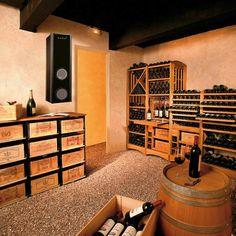 un support de rangement de bouteilles de vin et une barrique