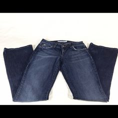 """Joe's Jeans Honey Bootcut Dark Wash Jeans In good pre-loved condition. No rips, stains or tears. 99% cotton, 1% elastin. Zip fly, button closure. Measured laying flat: waist: 13"""", inseam: 34"""", rise: 7.5"""", hips: 17"""", width @ hem: 8.5"""". Smoke free pet friendly home. Fast shipping. Orders processed every night after work and on weekends. Offers welcome. Joe's Jeans Jeans Boot Cut"""
