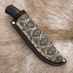 Custom Handmade Knives and Leather Goods Zombie Tools, Best Zombie, Handmade Knives, Leather Working, Pouch, Sachets, Porch, Belly Pouch