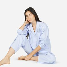 Perfect for sleeping in and chilling out. Our oxford pajama shirt features classic details like an open neckline, contrasting piped trim, and French seams. The easy, relaxed fit makes it even easier to kick back and relax.