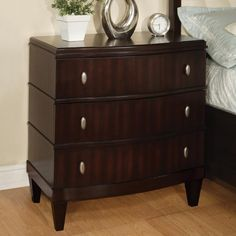 Wynwood Vinings 3 Drawer Nightstand