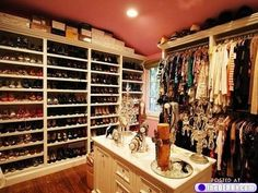 Charmant A Dream Closet For Shoe Addicts.
