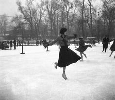 Műjégpálya. Historical Clothing, Historical Photos, Old Pictures, Old Photos, Budapest Hungary, Belle Epoque, Ice Skating, Tao, The Fosters