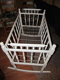 Antique spindle cradle