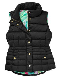 never thought of getting a black best since I have my navy one but this one is too cute! Vest Outfits, Preppy Outfits, Cute Fall Outfits, Winter Outfits, Autumn Winter Fashion, Autumn Fashion, Northern Girls, Sweet Style, My Style