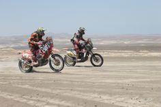 Moto #50 y Moto #12 en las dunas de Ica-Perú.