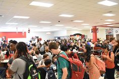 Serving 2,100 students #RealSchoolFood at Hillcrest High is like feeding a small army daily. https://www.facebook.com/gcsdFANS/posts/430801837124768…
