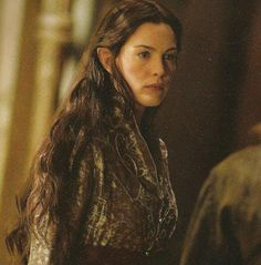 I don't even like Arwen that much but I LOVE this picture of her!!!