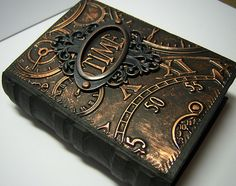 Altered book box, very steampunk. A book of course. Altered Book Art, Altered Tins, Journal Covers, Book Journal, Journals, Steampunk Book, Glue Gun Crafts, Glue Gun Projects, Handmade Books