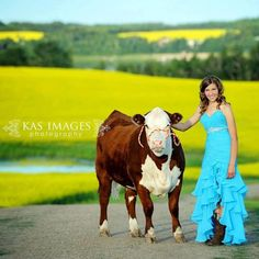 Perfect in my wedding dress. Make the calf a black one ;)