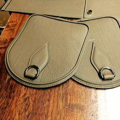 마감은 재봉기의 힘으로 #leatherbag#bostonbag#shrunken