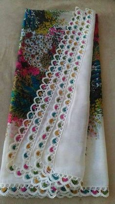 This Pin was discovered by HUZ Crochet Motifs, Crochet Borders, Crochet Stitches Patterns, Thread Crochet, Crochet Trim, Crochet Designs, Crochet Lace, Knitting Needles, Baby Knitting
