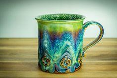 Ceramics Pottery Mugs, Ceramic Mugs, Ceramic Pottery, Pottery Art, Clay Projects, Clay Crafts, Ceramic Glaze Recipes, Amaco Glazes, Wheel Throwing
